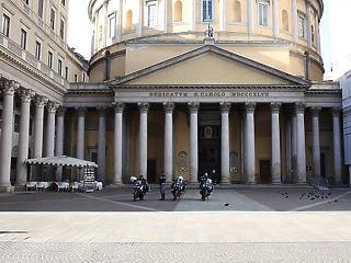 Olaszországban 12 év börtön is járhat, ha valaki engedély nélkül hagyja el a lakását