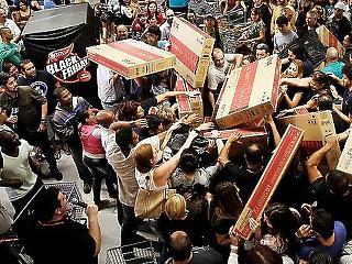 Már a kanyarban a Black Friday, most is a tévé és a mobil lehet a sláger