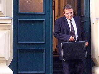 G7: Mészáros viheti Simicska cégbirodalmát is