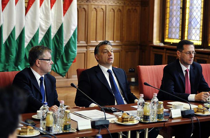 Matolcsy György, Orbán Viktor, Varga Mihály. Fotó: MTI