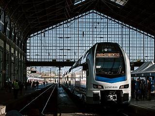 Újabb vonatokkal erősít a MÁV