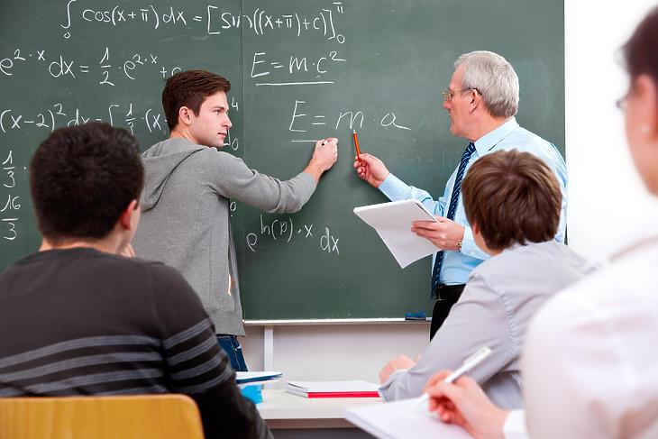 Tanárnak és diáknak egyaránt vissza kell szoknia a régi kerékvágásba. Fotó: Depositphotos