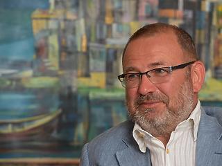 Lantos Csaba: Ki kell egyezni az orvoslobbival! - Interjú