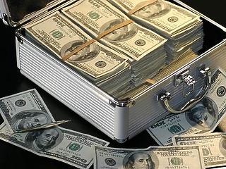 A túlzott dollár erősödés miatt is bukhatnak a befektetők