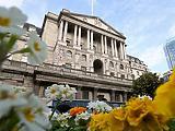 Egyetértés nem volt, de végül nem nyúlt a kamathoz a Bank of England