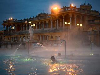Több budapesti fürdő is kinyit szombaton