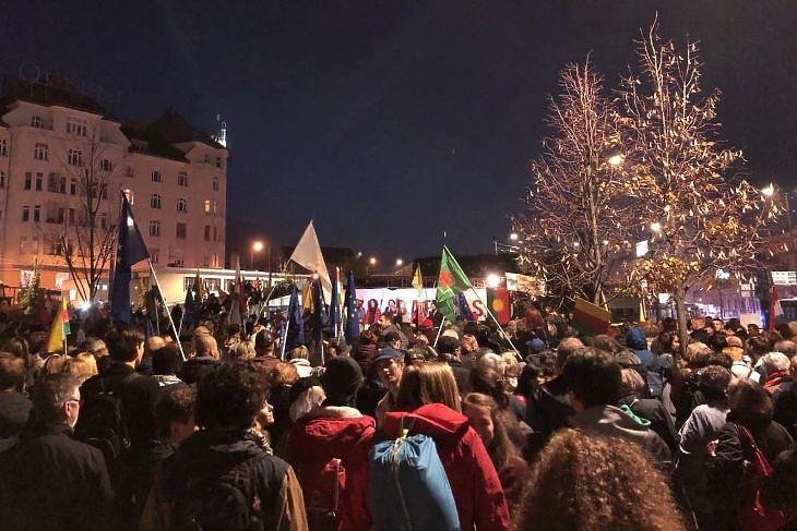 Tüntetés Erdogan ellen. (Privátbankár.hu/mfor.hu)