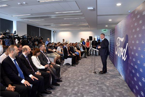 Molnár Viktor, a Ford regionális igazgatója beszédet mond a Ford új regionális szolgáltató központjának átadási ünnepségén 2018. szeptember 14-én. (MTI / Illyés Tibor)