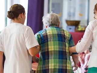 A nők felét fenyegeti az elbutulás, a Parkinson-kór és a stroke