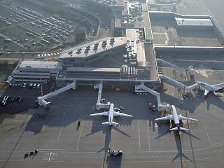Éjjel megbénult a ferihegyi repülőtér
