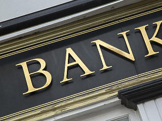 Versenyfutás az állami hitelekkel