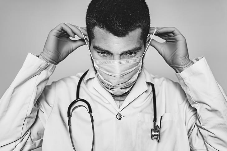 Az OKFŐ szerint nem olyan sok, a MOK szerint sok a kiesett 5000 egészségügyi dolgozó. Fotó: Depositphotos
