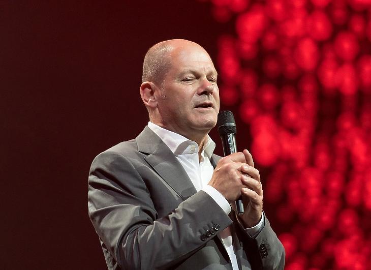 Győzött Olaf Scholz és az SPD, de nagyon nehéz lesz kormányt alakítani (fotó: MTI)