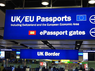A britek szigorítják a magyar utazók belépését