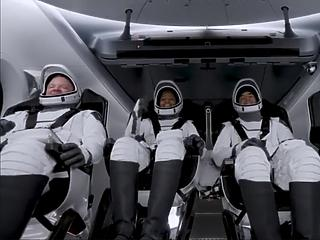 Amatőrök a fedélzeten: a SpaceX megint űrtörténelmet írt