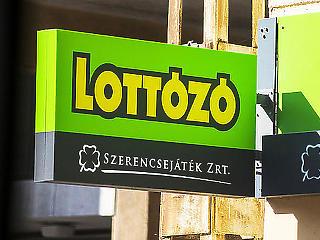 Ákos megint 40 millió forintot kapott a Szerencsejáték Zrt-től