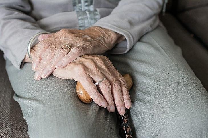 35 idősotthonban élnek több, mint kétszázan. Fotó: Pixabay