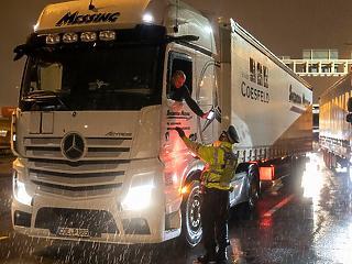 Újraindul a teherforgalom az angolok és a franciák között