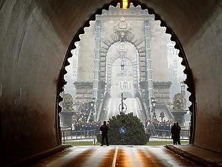 Csúszni fog a Lánchíd felújítása is