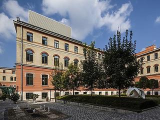 Bírságot kapott a BIF: Felfüggesztette az MNB Schmidt Mária cégét