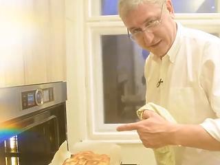 Gyurcsány Ferencből karácsonyra előtört a konyhatündér