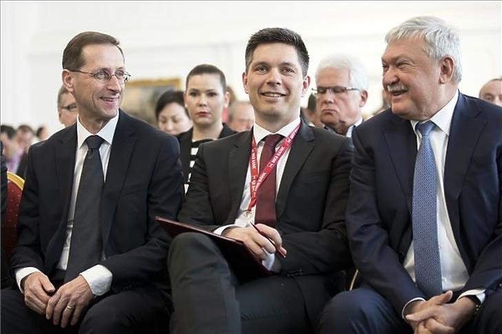 Varga Mihály, Balog Ádám és Csányi Sándor az eseményen (MTI fotó - Mohai Balázs)