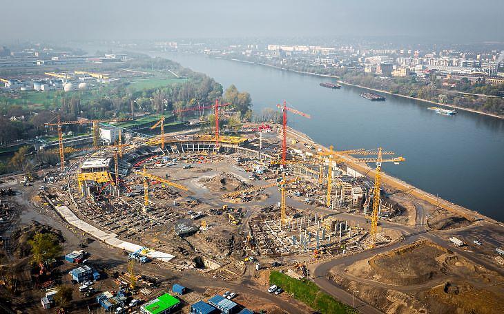 Az új atlétikai stadion építkezése madártávlatból (forrás: BMSK Zrt.)