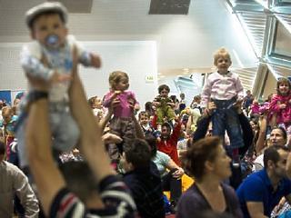 Román autóra esküsznek a nagy magyar családok