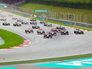 Könnyítettek a szabályokon: erre számíthatnak az autóversenyre érkező külföldiek