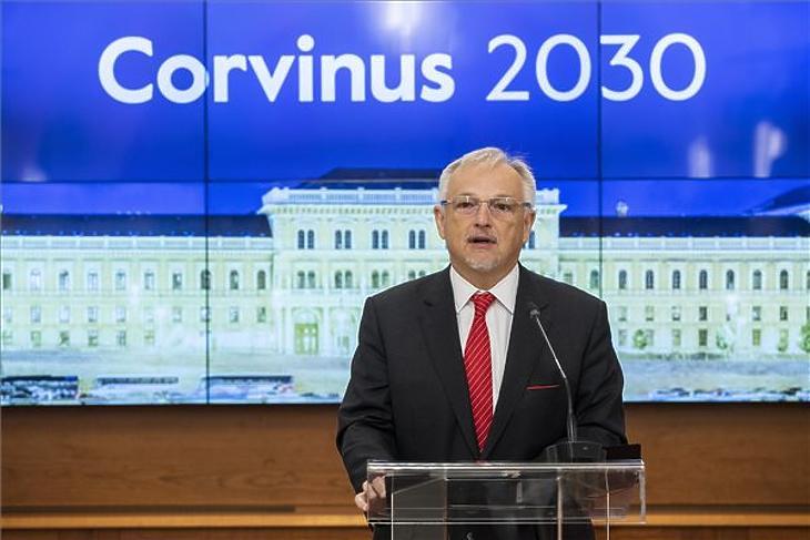 Hernádi Zsolt, az alapítvány kuratóriumának elnöke