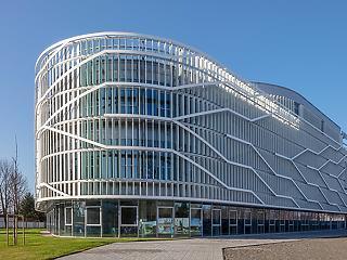 Sikeres és zökkenőmentes a fenntartó- és modellváltás a kecskeméti Neumann János Egyetemen