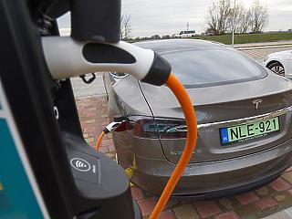 Versenyképesek lesznek a támogatás révén az elektromos autók