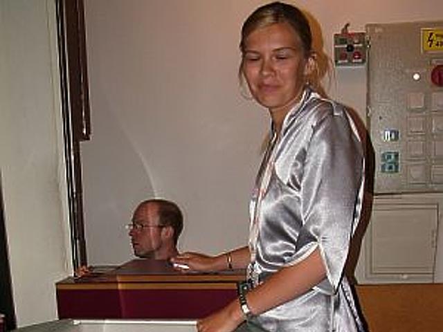 Egy light hostess