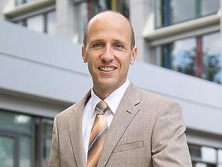 Rábai Dániel 20 év után vonul vissza a Continentaltól, Mirco Brodthage váltja