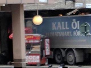 Robbanóanyag volt a stockholmi merénylethez használt teherautóban?