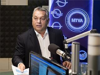 Döbbenet: Orbán szerint nem az összeset, csak a tüntetők egy részét fizeti Soros