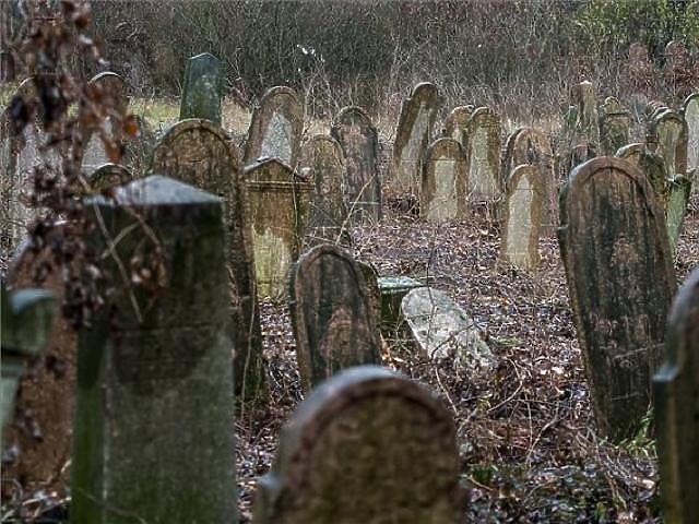 Az olcsó temetés is sokba kerülhet
