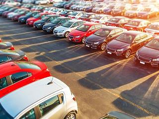 Nagy baj van az autópiacon