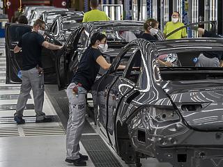 Három hétre leállt a kecskeméti Mercedes-gyár