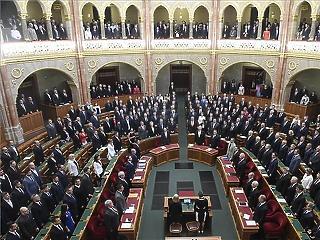Az ellenzék rendkívüli parlamenti ülésnapot akar