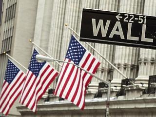 Pánik a piacokon, tovább szakadnak az indexek
