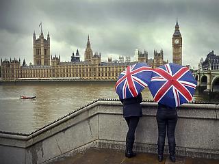Féléves csúcson a brit infláció