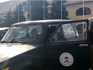 Leselejtezett autót kapott Lázár János
