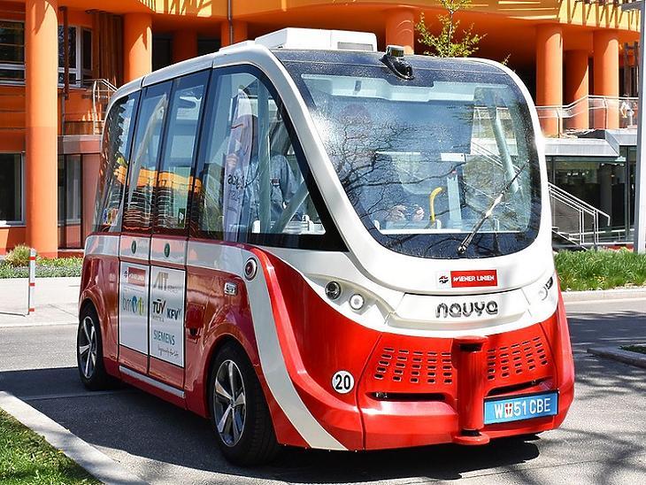 Így néz ki a bécsi elektromos önvezető minibusz