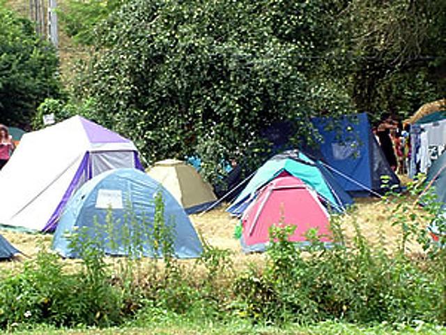 Árokparti sátorhelyek