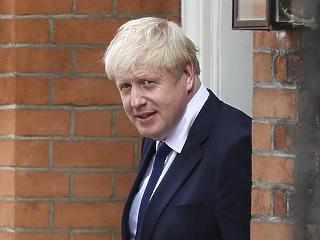 A kelet-európai sofőröket okolja a Boris Johnson a kialakult káosz miatt