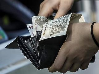Még várni kell a minimálbér felzárkózására