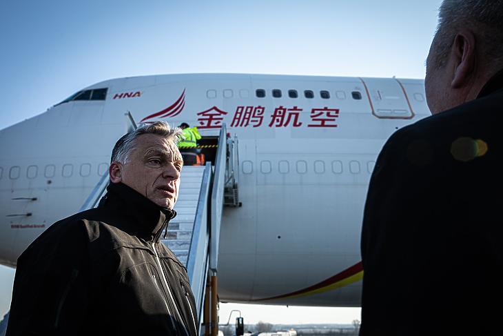Orbán Viktor a reptéren (Fotó: Orbán Viktor/Facebook)