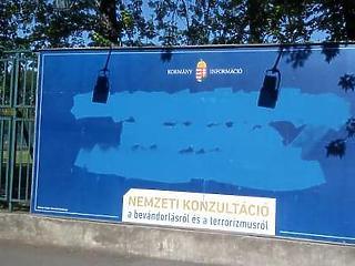 Debrecen megszavazta a plakátadó emelését