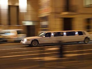 Éjszaka csaptak le a limuzinosokra